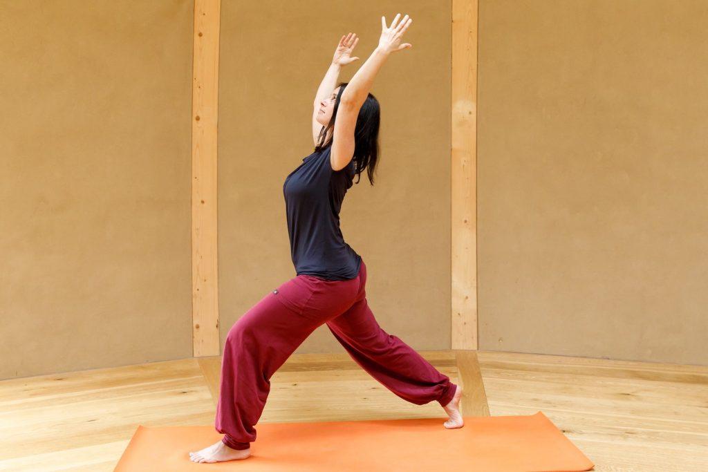 Yoga Integration Beckenboden Virabhadrasana I